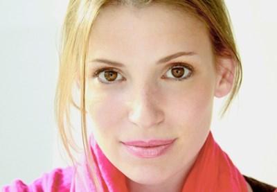 julia-whelan-600x415.jpg
